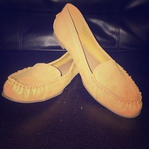 dolce vita dv8 yellow loafer